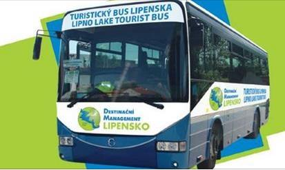 Na šumavskou 30 poveze závodníky autobus